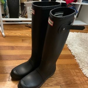 Hunter boots size 7 never worn!
